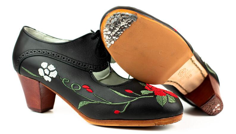 Zapato bordado